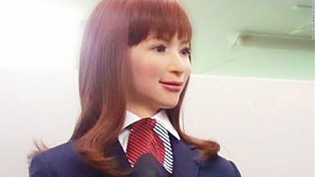 Receptionista-robot in hotelul Henn-na Hotel din Japonia