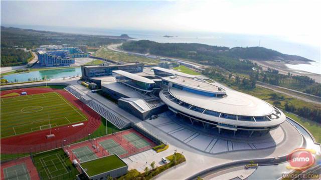 O companie de jocuri chineza are ca tema pentru birourile sale naveta USS Enterprise