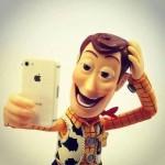 O rusoaica de 21 de ani s-a impuscat accidental in cap in timp ce-si facea un selfie
