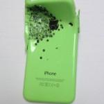 Un barbat impuscat cu o arma automata a supravietuit datorita lui iPhone 5c