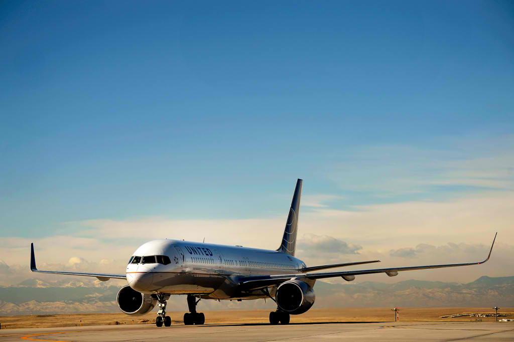 United Airlines te roaga sa-i hack-uiesti