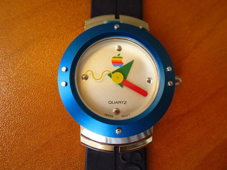 Un Apple Watch din anii '90 poate fi cumparat de pe eBay