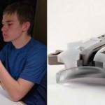 Un liceean a proiectat o arma cu senzor de amprente