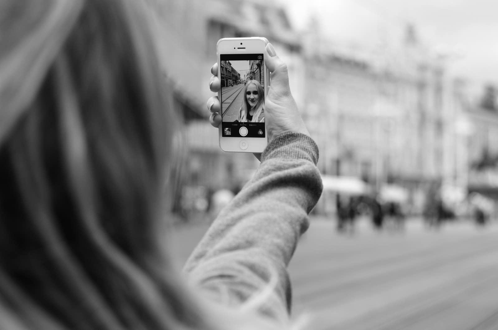 Un patent al Apple preluat de la Kodak te va ajuta sa faci selfie-uri mai bune