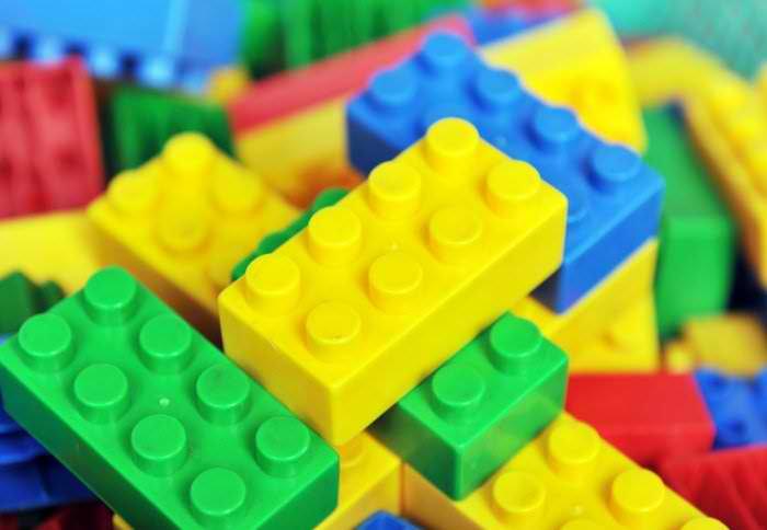 Lego va incepe sa produca piese Lego mai prietenoase cu mediul