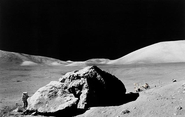 S-au implinit 46 de ani de la prima aselenizare cu echipaj uman pe Luna