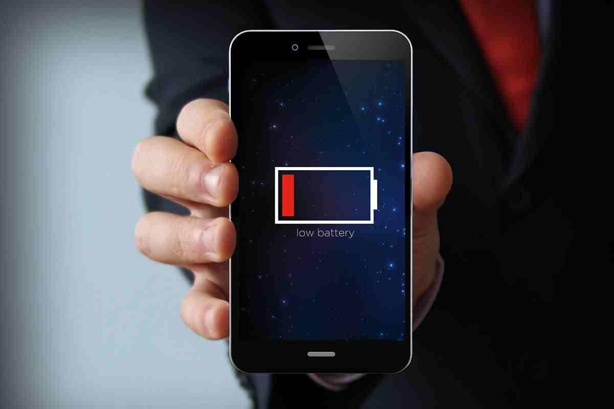 Bateria smartphone-ului tau ar putea fi folosita pentru a te monitoriza
