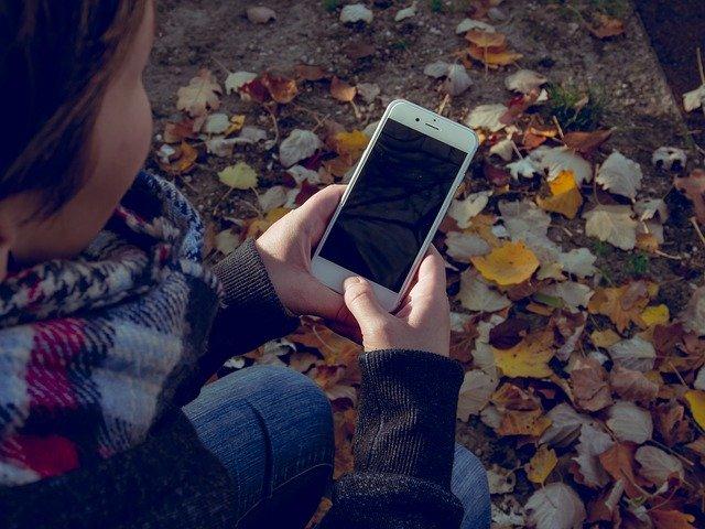 Apple repeta ca este imposibil pentru ei sa deblocheze noile iPhone-uri