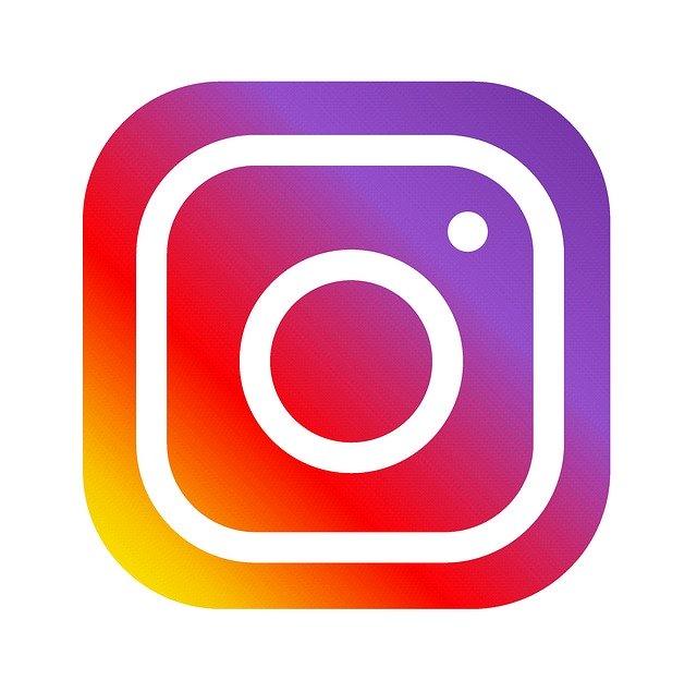Instagram spune ca nu poate permite nuditate din cauza Apple