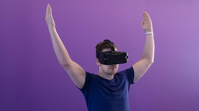 Fondatorul Oculus crede ca realitatea virtuala va inlocui smartphone-urile