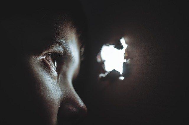 O operatie nepaleza de 5 minute vindeca orbirea pentru numai 25 de dolari