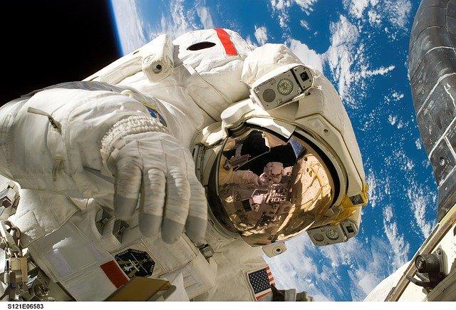 NASA accepta inscrieri pentru programul de astronauti