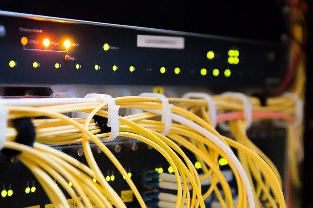 O Curte de Justitie federala a decis ca un furnizor de internet este responsabil pentru pirateria utilizatorilor sai