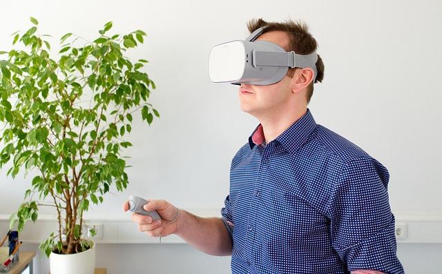 Fondatorul Oculus recunoaste ca Sony ar putea fi cel mai mare competitor al sau