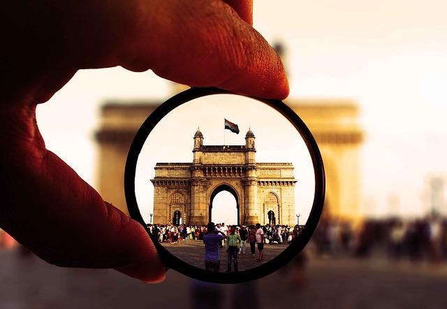 Politia din Mumbai incepe sa marcheze zonele in care selfie-urile pot fi periculoase
