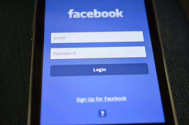 Reactiile Facebook nu sunt prea folosite
