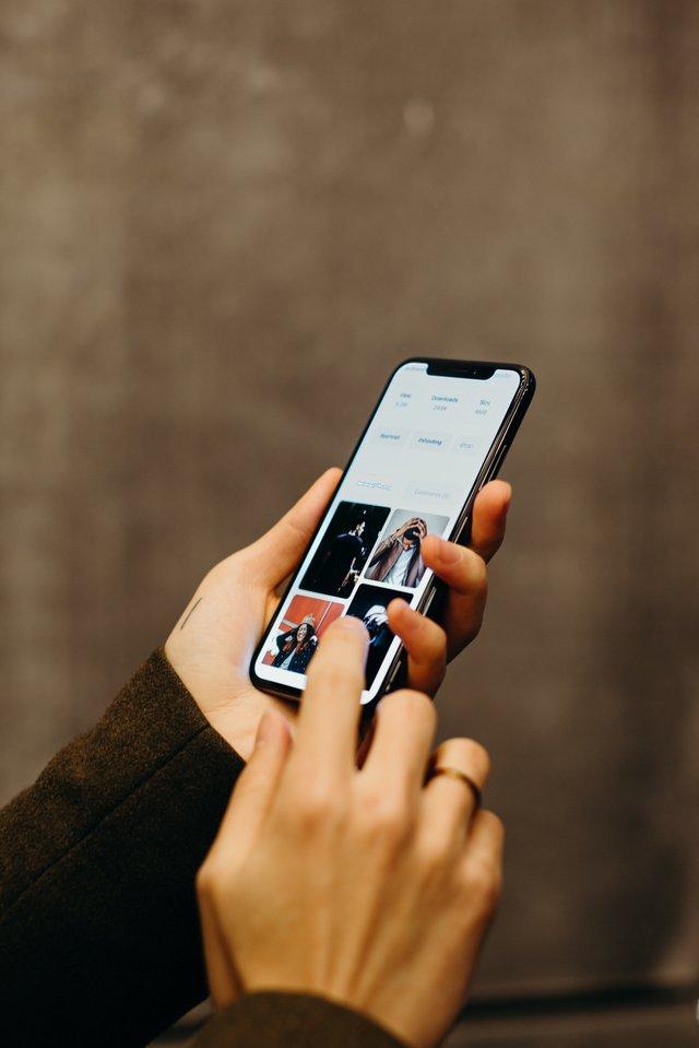 Studiu Smartphone-urile ne-ar putea face sa fim hiperactivi