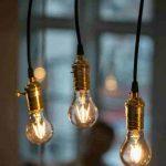 Aceste becuri cu aspect retro sunt create cu LED-uri