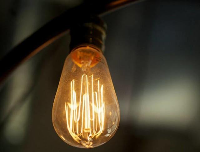 Becul cu incandescenta care isi mananca propria caldura pentru a fi eficient energetic