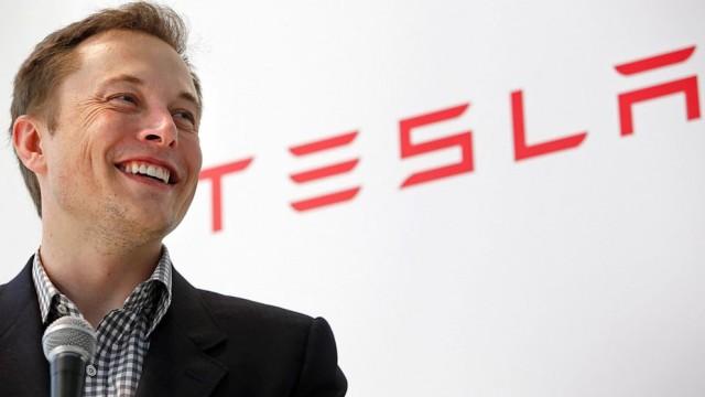 Elon Musk devine serios in legatura cu avioanele electrice