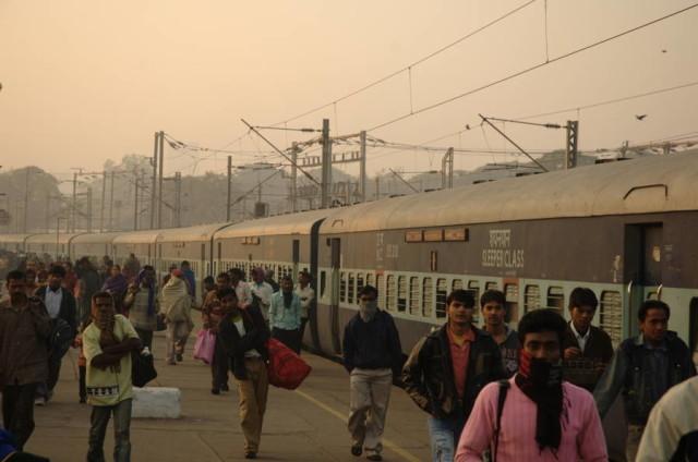 Google va instala WiFi in statiile de tren din India