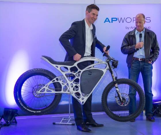 Motocicleta printata 3D de deplin functionala te va costa 50 000 de euro