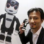 Robotul telefon al Sharp nu este ieftin
