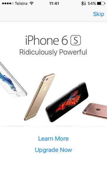 Un barbat isi rascumpara iPhone-ul cu 200 de dolari