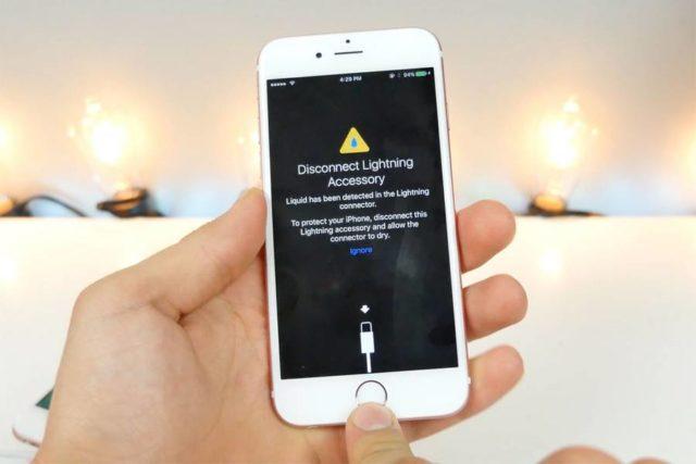 iOS 10 ii va avertiza acum pe utilizatorii de problemele cauzate de apa