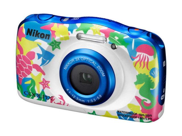 Nikon Coolpix W100 - o noua camera compacta rezistenta la apa a fost anuntata