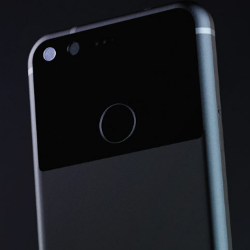 VIDEO: Un clip video arata o randare la 360 de grade a telefonului Google Pixel