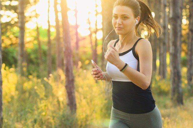 Un studiu ajunge la concluzia ca fitness trackerele s-ar putea sa nu fie la fel de eficiente pe cat credem