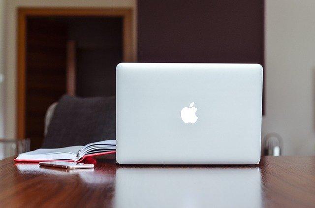 Apple explica de ce MacBook-ul nu va avea niciodata touchscreen