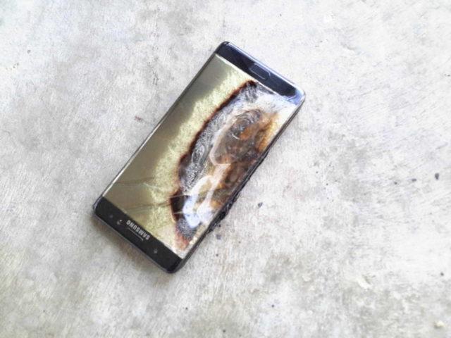 Problemele lui Galaxy Note 7 ar putea fi mai mult decat doar bateria
