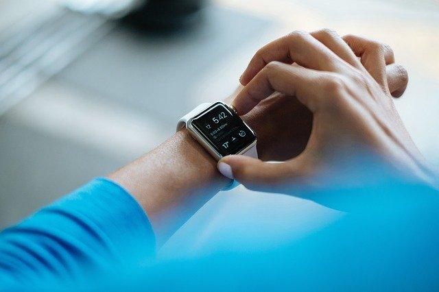 Cercetatorii folosesc dispozitivele purtabile pentru a prezice cand cuplurile incep sa se certe