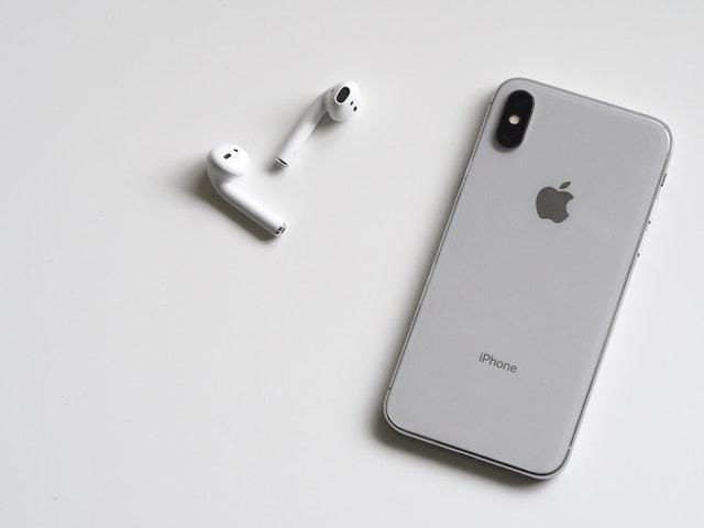 Majoritatea tinerilor americani cred ca urmatorul lor smartphone va fi un iPhone