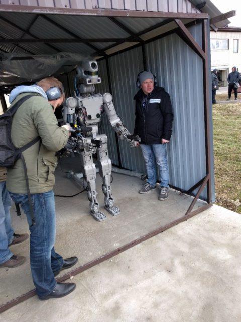 Rusia spune ca un robot care este invatat sa foloseasca arme nu este un Terminator