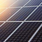 Tesla dezvaluie noi panouri solare pentru acoperisul tau