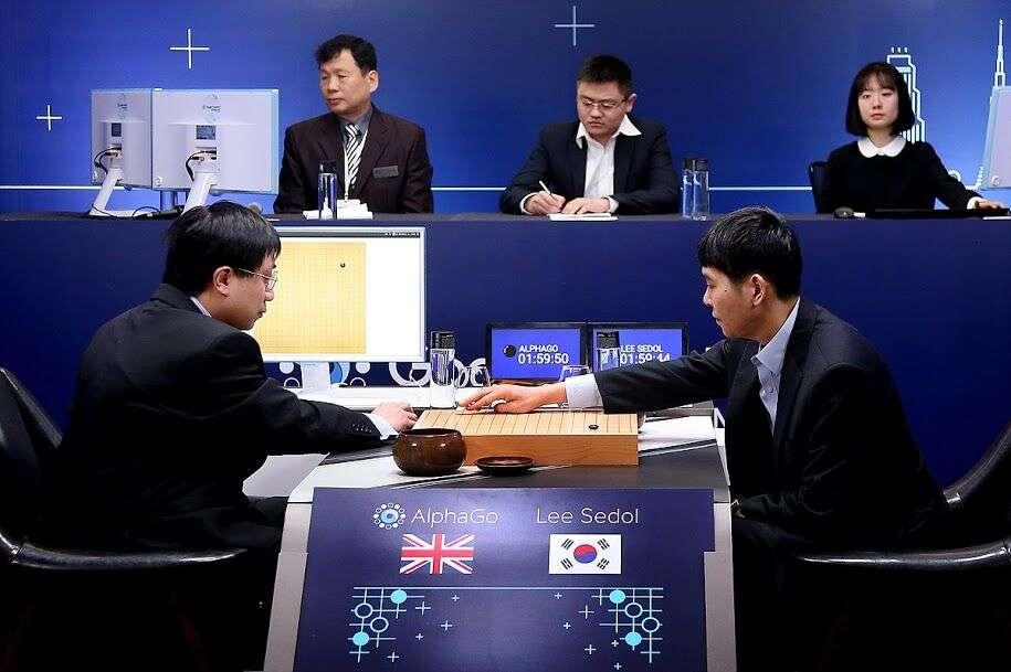 Sistemul AlphaGo al Google il invinge pe jucatorul Go numarul 1 al lumii