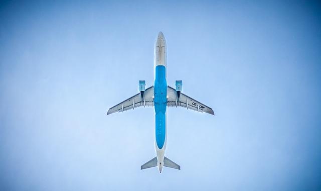 Tineti-va bine, in viitor se vor agrava turbulentele atunci cand zburam cu avionul