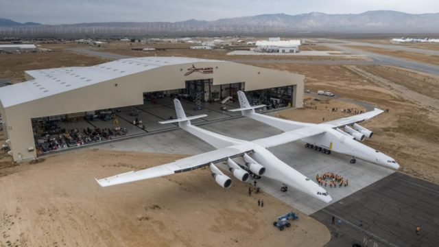 Cofondatorul Microsoft prezinta cel mai mare avion din lume