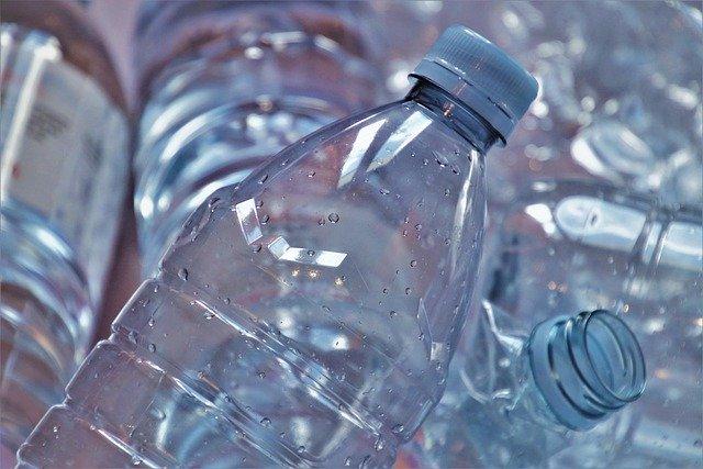 Compania HP transforma gunoiul si sticlele din plastic in cartuse de imprimanta