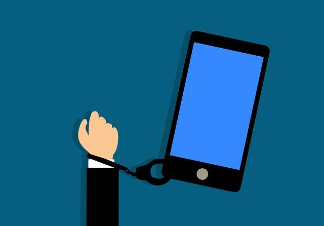 Daca le oferi copiilor un smartphone, e ca si cum le-ai oferi un gram de cocaina. Spune un specialist