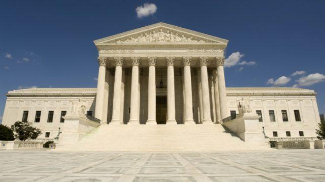 Infractorii sexuali pot folosi retelele de social media, conform Curtii Supreme din Statele Unite