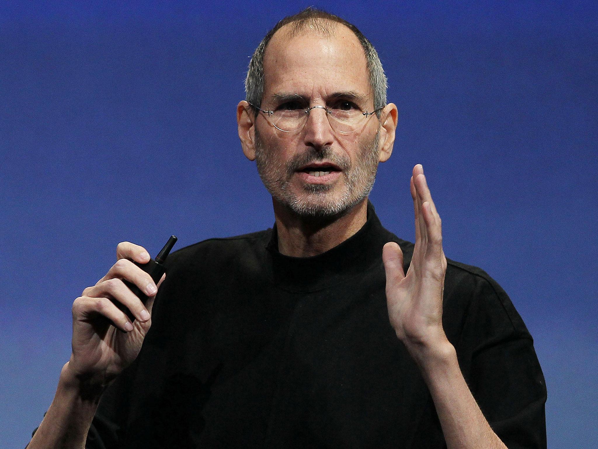 Steve Jobs ar fi vrut un buton inapoi pentru iPhone. Ce l-a oprit