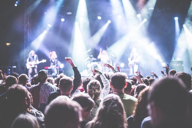 Un cantaret de heavy-metal decedat va avea un turneu mondial in forma de holograma