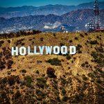 Apple ar fi pus deoparte un miliard de dolari pentru a intra in Hollywood