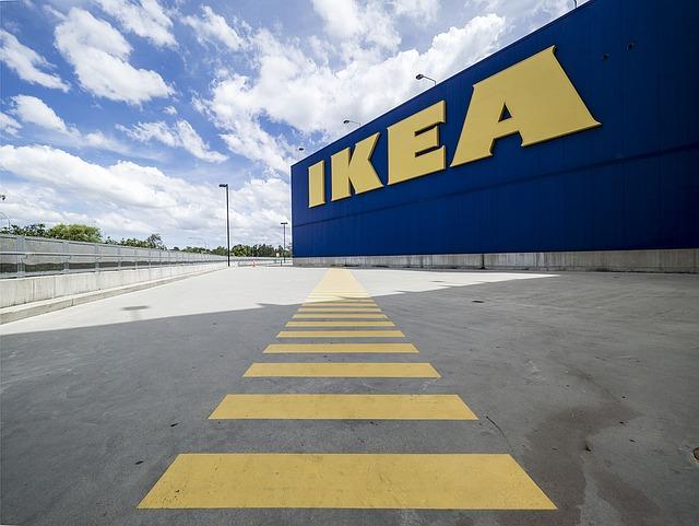 Ikea incepe sa vanda panouri solare si acumulatoare pentru locuinte