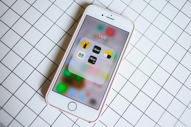 Samsung ar fi de vina pentru pretul mare al lui iPhone 8