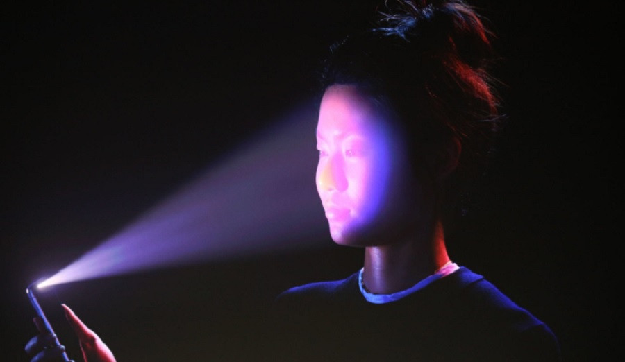 Tehnologia Face ID a lui iPhone X nu iti va permite sa-ti imparti smartphone-ul